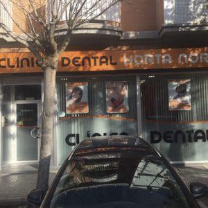 Reforma Fachada Clínica Dental Horta Nord